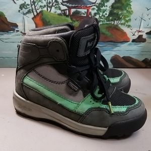 Vasque Hiking Boots Kids Size 11, kids hiking boot